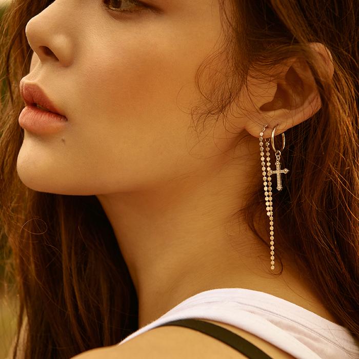 <b>산다라박, 박시연, 김도연, 이소연, 이현이 착용</b><br>Dreamer Dots Drop Earrings